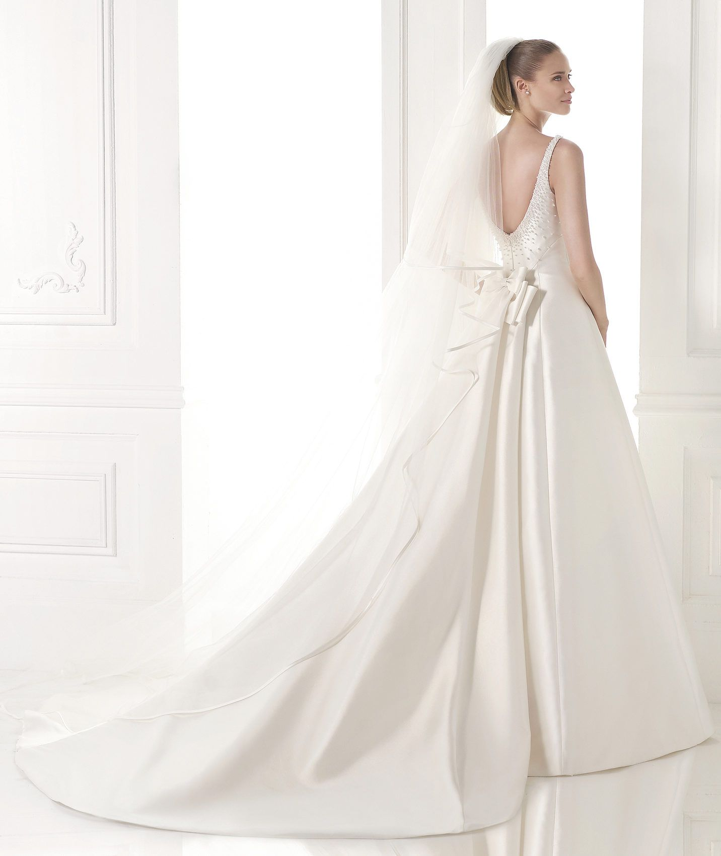 Marialis wedding dress with detachable train collection