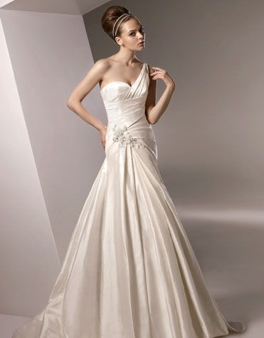 bridal gown 3-125902684
