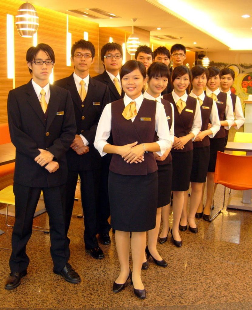 hotel managements students and college campus places to overview the travel and tourism sector is broadening its areas of services it flourished the growth of resort and hotel businesses