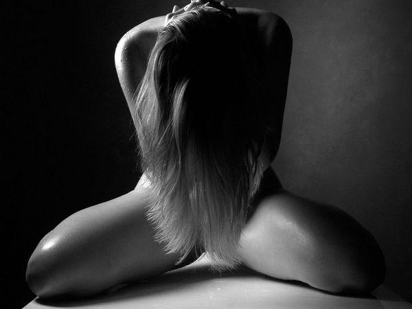 Сексуальные девушки в черно белых фото и картинках фото 555-222