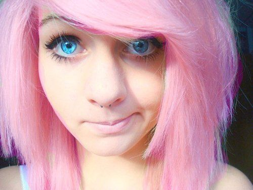 Beautiful Blue Eyes And Loving The Pink Hair Scene Hair Girl With Pink Hair Pink Hair