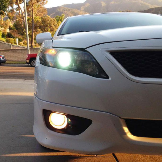 Buy our Toyota Camry HID Kit for your 2006-2011 Toyota Camry : 3 Year Warranty - FREE Shipping ThisCamryHID Kit comes with:Two (2) HID Xenon BulbsTwo (2) Prem