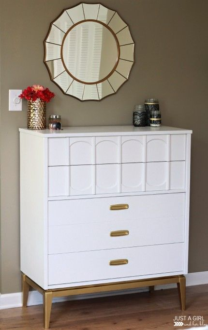 Painted Furniture | How fabulous is this mid-century modern dresser makeover with glossy white paint and gold painted accents?!? LOVE!