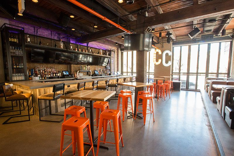 Best Sports Bars in River North, Chicago Bubbly Moments