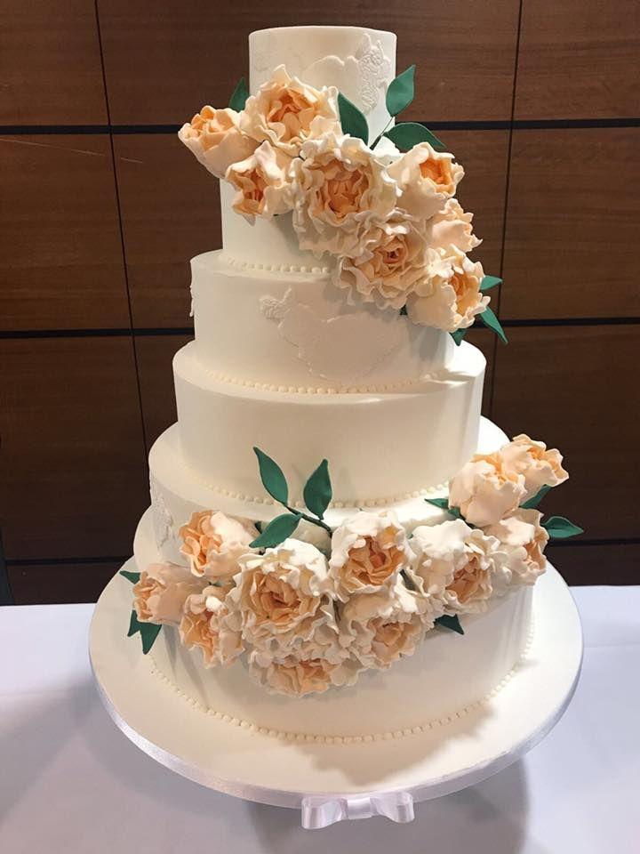 Luxury Wedding Cakes London Hertfordshire Bedfordshire Apricot Rose Cascade On Ivory
