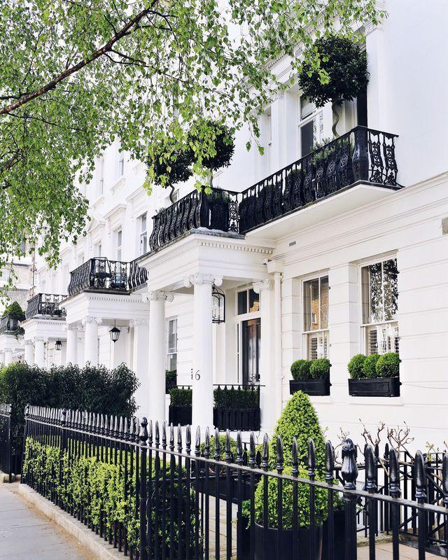 London Apartments Exterior: South Kensington (A Fashionista's Guide)