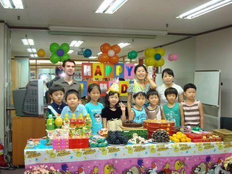 Elegant Birthday Celebration In The Class Kindergarten   Google Search