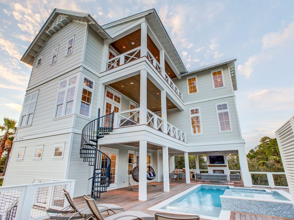 30 yards to beach new build lakefront private pool free