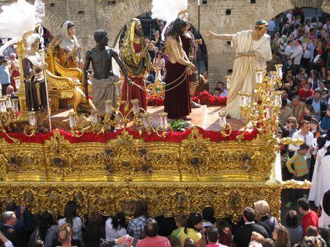 """""""Presentación al Pueblo"""" (Hermandad de San Benito, Martes Santo)"""