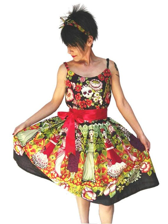 finest selection 90f10 aab62 Pin-up style dress with skulls and Frida Kahlo, vintage ...