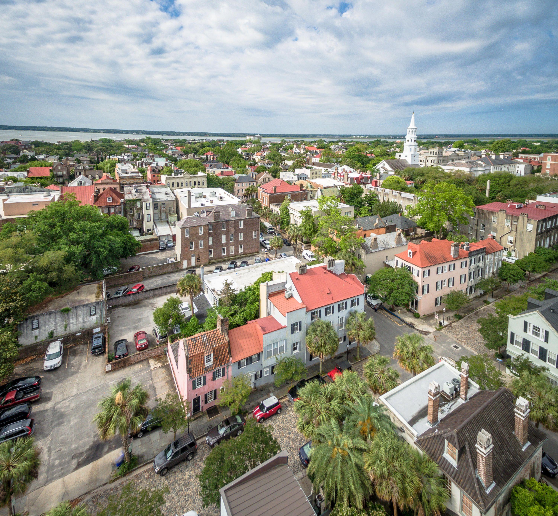 17 Chalmers Street Charleston Sc 29401 Pink Houses City Of Charleston Historic Homes