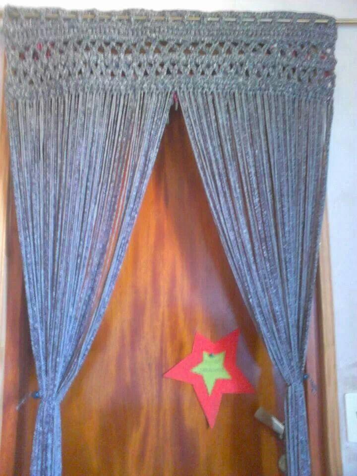 Cortina hecha de totora de tela con parte superior tejida a ...