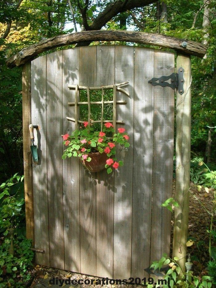 Kreative Garten Ideen Garten Deko Diy Rustikale Holztur Blumendeko