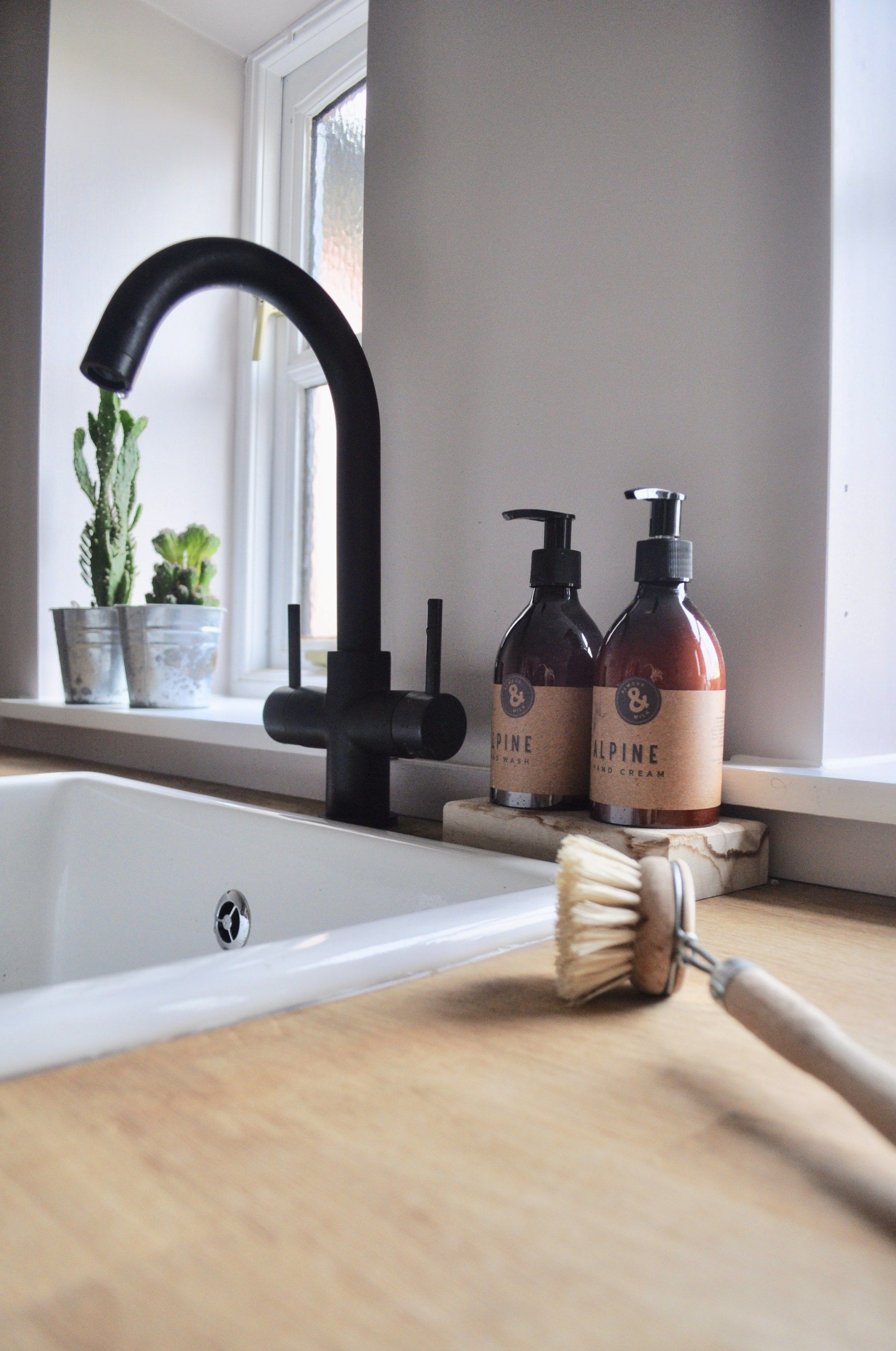 Utility Room Makeover | Taps, Sinks and Room