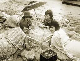 1920s WOMEN MAH JONGG by RADIO *CANVAS* PHOTO ART PRINT