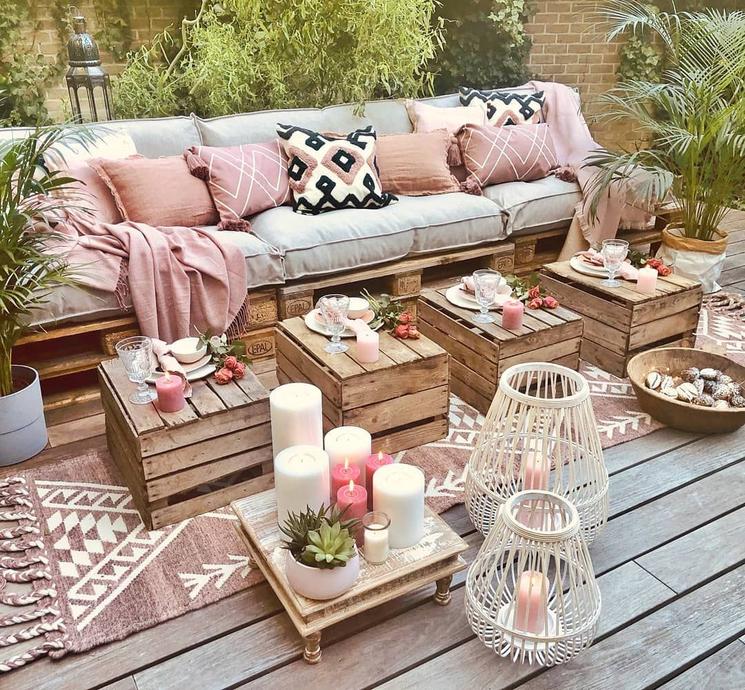"""Rich class decor on Instagram: """"Weekend we are ready for you!  Who said wool rugs are for indoors only!! Our Callie Rug check Pillows check Roses check Candles check Food…"""""""