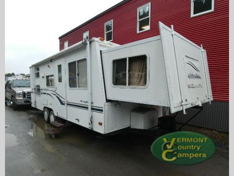Used 2003 Fleetwood RV Caravan 25SB Travel Trailer at