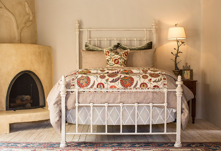 Un letto romantico e shabby per la vostra camera,. 27 Ottime Idee Su Letto In Ferro Battuto Letto Ferro Battuto Ferro Battuto Arredamento