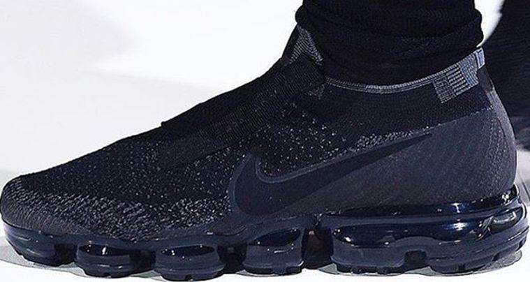 b2c16abf381 COMME des GARÇONS x Nike Air VaporMax    First Look via Nice Kicks ...