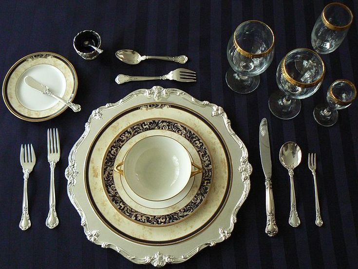table settings with different napkin styles | Formal table setting  napkin on dinner plate & table settings with different napkin styles | Formal table setting ...