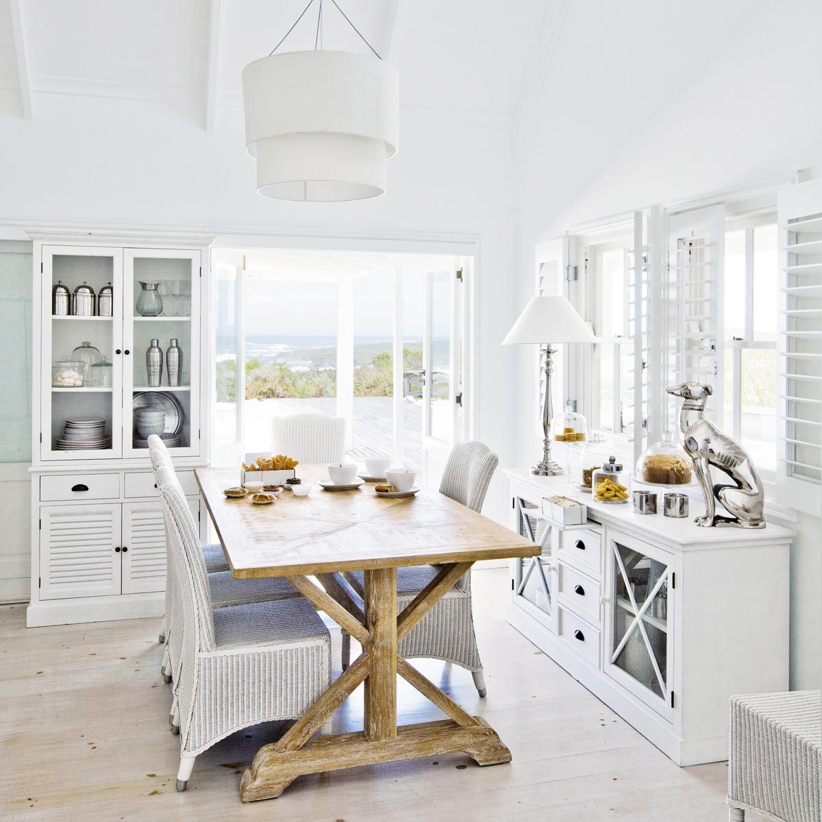 Aparador con vitrina de madera blanco mate an 163 cm decoraci n casa vitrinas de madera - Mobili soggiorno maison du monde ...