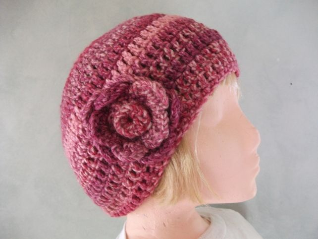 CLEARANCE SALE Chunky Crocheted Hat in Pinks & Reds.. £5.00