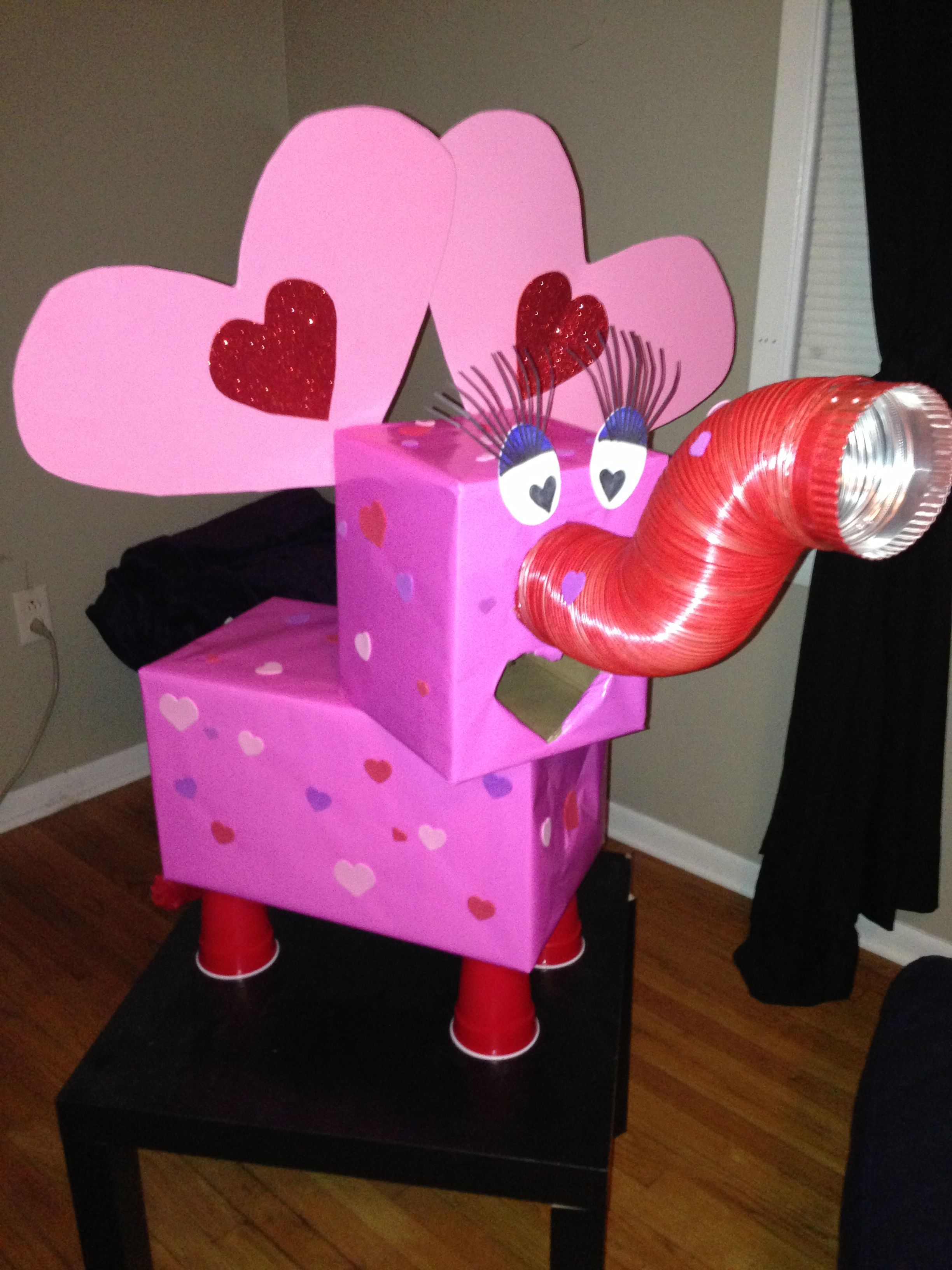 Jaleighs elephant valentine box  ideas for the kids  Pinterest