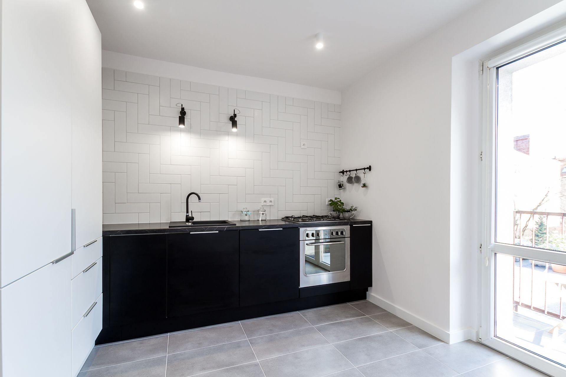 Kuchnia W Mieszkaniu Inwestycyjnym W Poznaniu Www Housestudio Pl Vanity Double Vanity Bathroom Vanity