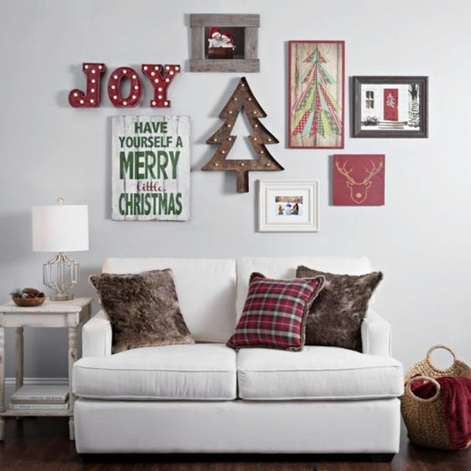 Nice 13 Enchanting Christmas-Themed Wall Decoration https://decoratio.co/2017/12/13/20603/ Christmas day is coming, the most important day through this year. You might want to decorate a Christmas-themed wall decoration for your home.