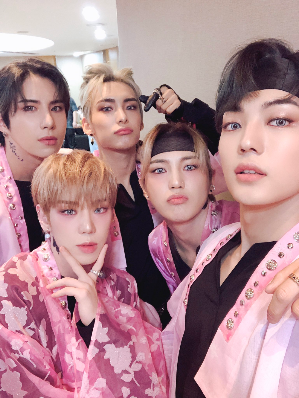official A.C.E on Twitter