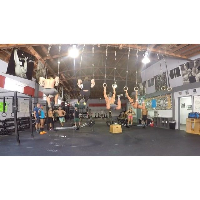 Relationship Goals  Sychronized Muscle Ups, Toes to Bar, Overhead Squat practice with @rasmuswandersen and #TeamInvictus2015.  |  #LessPicturesMoreTrophies #NoVideographerLikeNorCal #DefendingChamps  @roguefitness @nikewomen @progenex @prime_wellness
