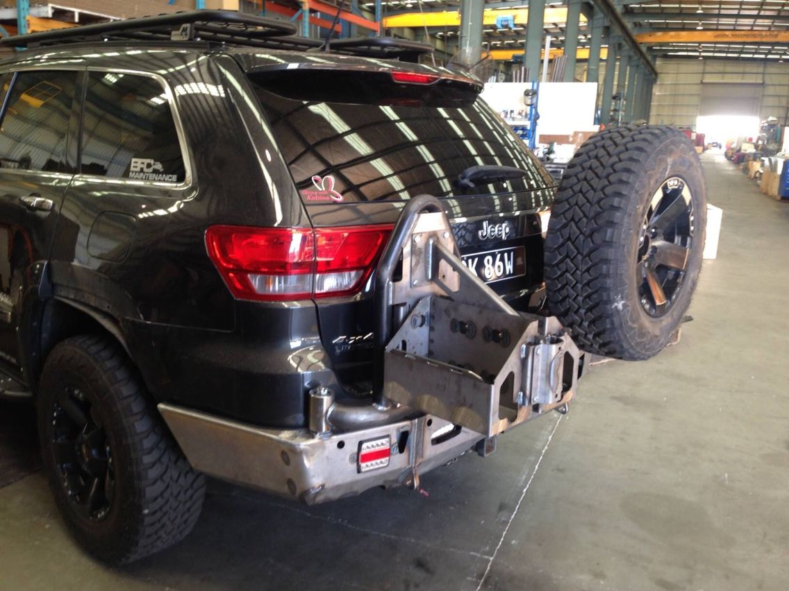 Uneek Rear Protection Tyre And Fuel Carrier Jeep Wk Jeep Grand Cherokee Overland Truck