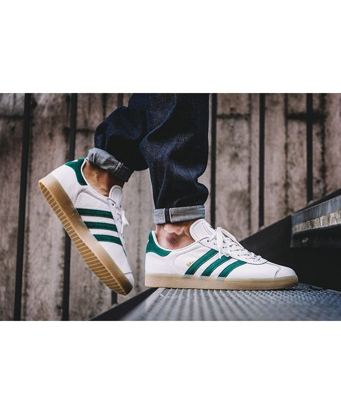 Mens Adidas Gazelle Vintage White Collegiate Green Trainer  93269e1d5