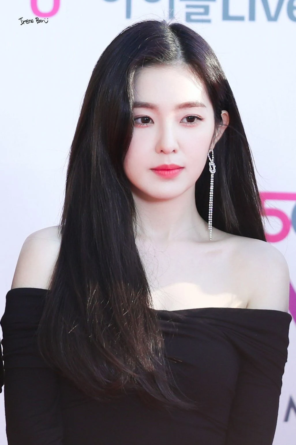 Here S A List Of Some K Pop Idols Who Got Involved In Dating Rumors For Some Of The Most Ridiculous Reasons Red Velvet Irene Red Velvet Velvet