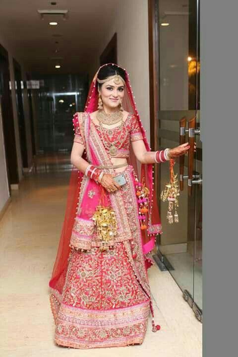 3be10b98fd Bhuvna, the beautiful bride in a lehenga by Sudhir Bhai Chandni Chowk Delhi