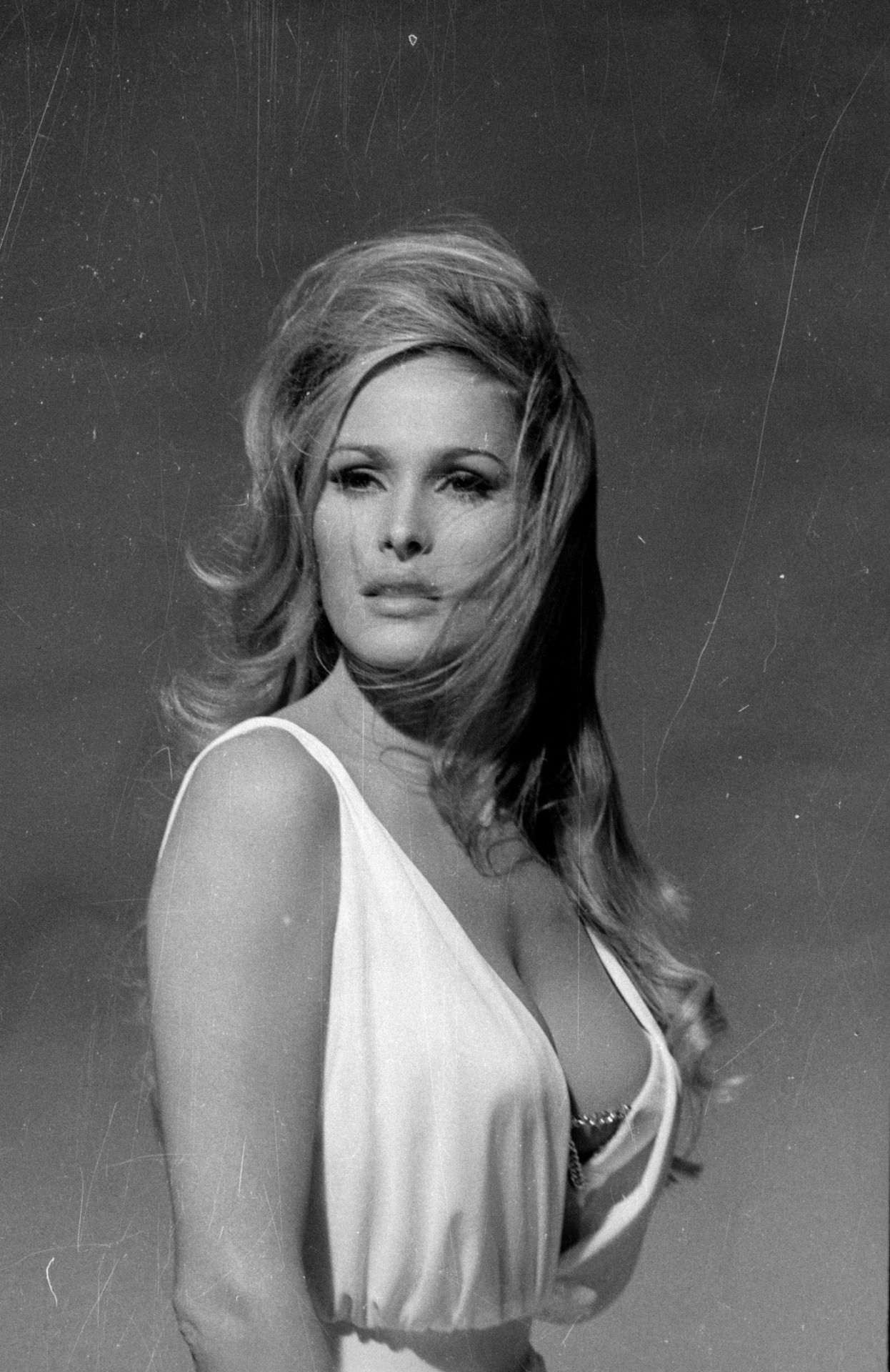 Jan Waters (born 1937),Helen Haye XXX clip Lorri Bagley USA,Kagney Linn Karter