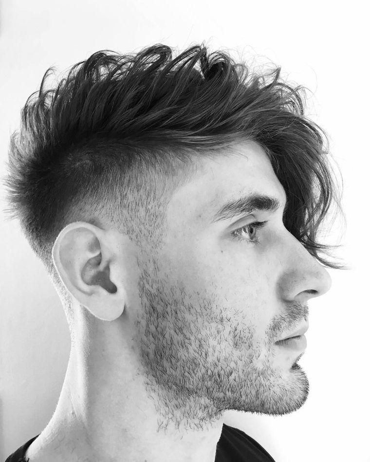 Taglio capelli uomo lunghi ai lati