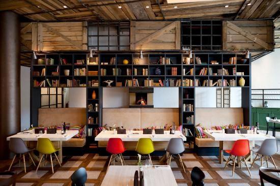 Restaurant la baracca munich restaurant interior for Interior design munich