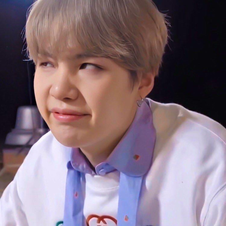 Bts Suga Wallpaper Suga Funny Suga Cute Yoongi Face