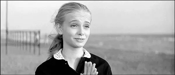 At The End Of La Dolce Vita What Was The Blonde Girl Trying To Say To Marcello Mastroianni At The Beach Quora Actrices Roma