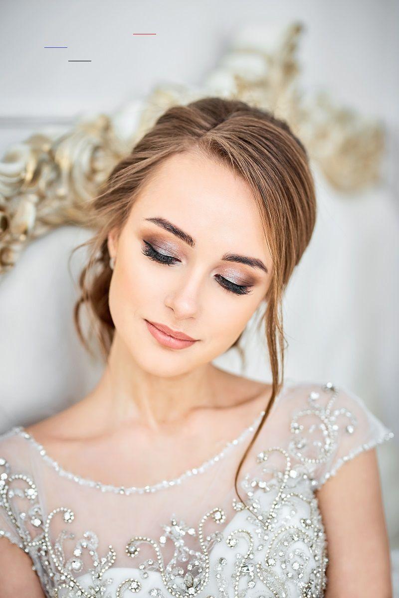 35 Schone Braut Make Up Ideen Und Stylingtipps Hochzeitskiste Bellewedding Zum Brautstyling Gehoren Hochzeitskleid Accessoires Ho Haar Haar Accessoires