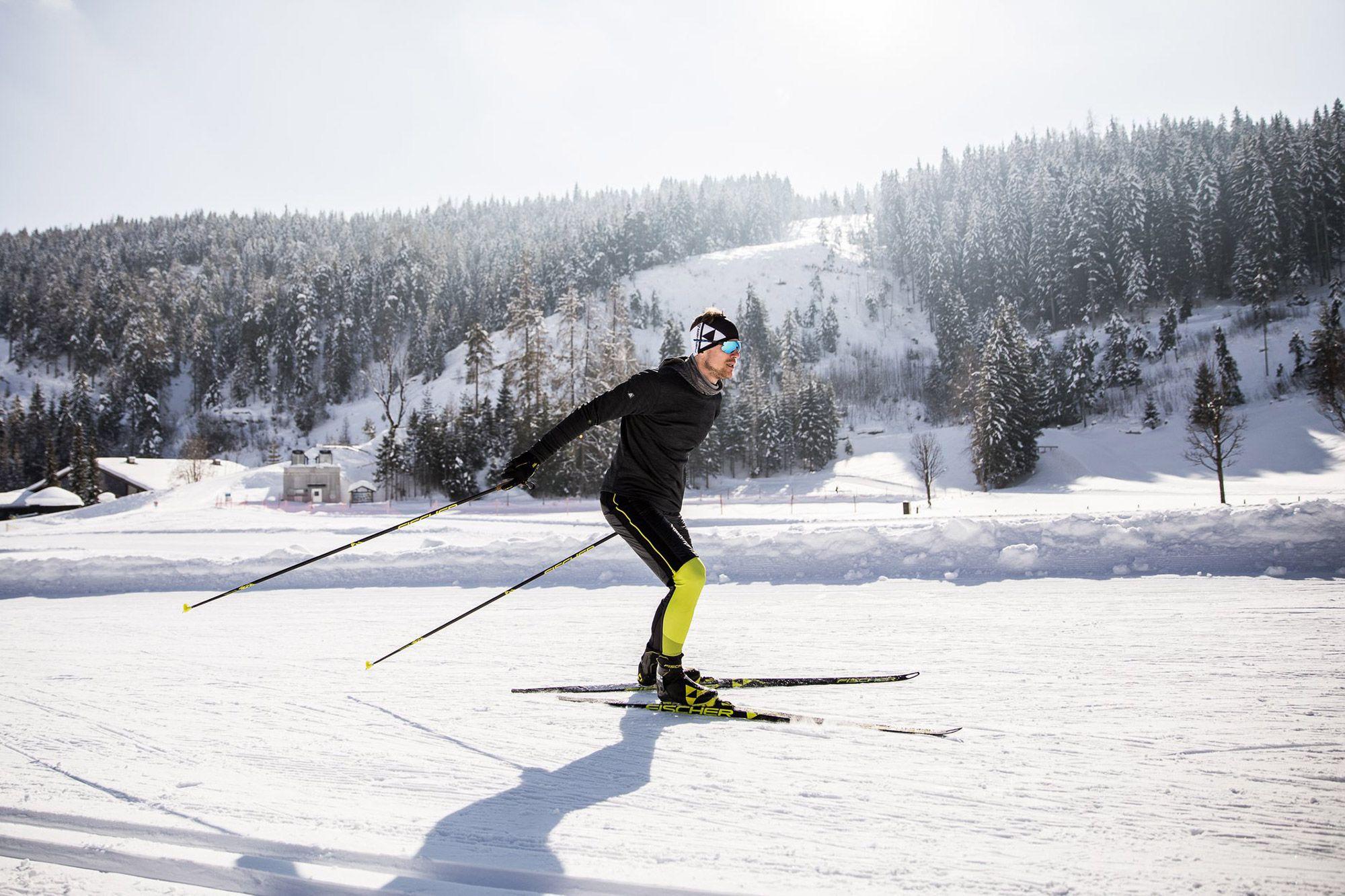 How To Choose Cross Country Ski Gear Goeast Cross Country Skiing Cross Country Ski Gear