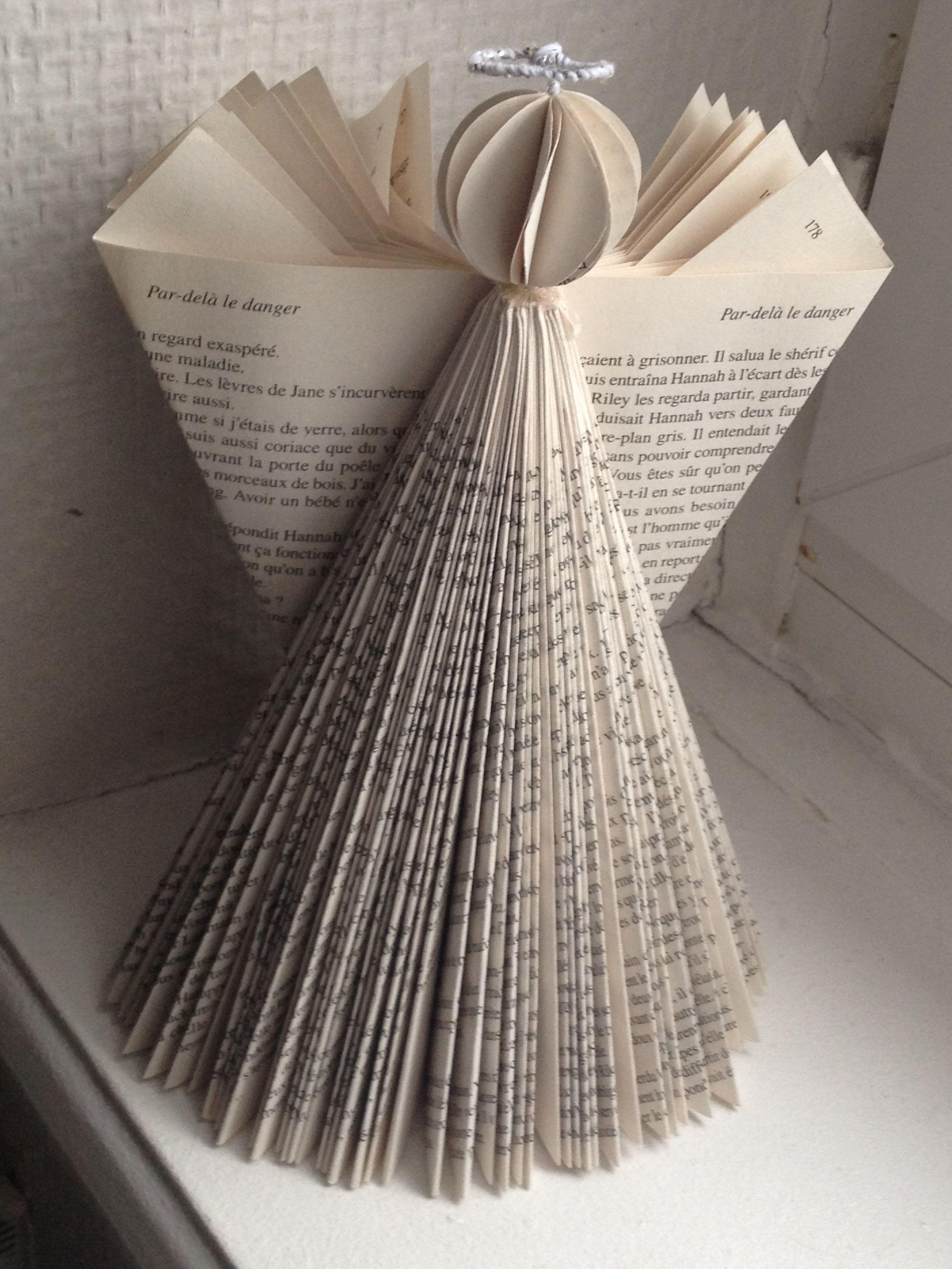 Deco Ange De Noel Déco Noël ange avec pages livre #déconoël #diy #bookart | Recycled