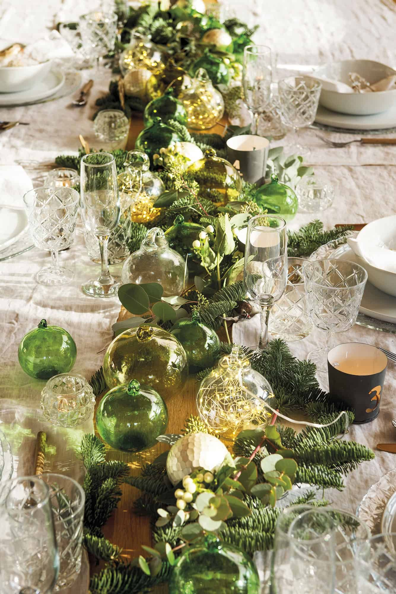 Converted Barn House In Rural Spain Gets A Magical Christmas Makeover Christmas Table Settings Christmas Interiors Table Settings