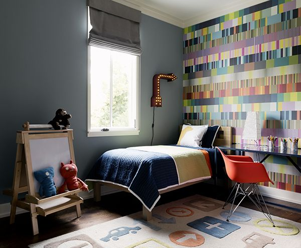 Colorful wallpaper in Boy's Room