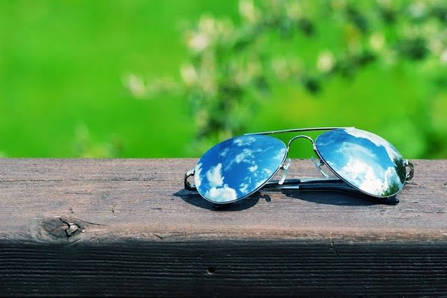 I'm crazy-in-love with blue sky and my aviator sunglasses. The end.