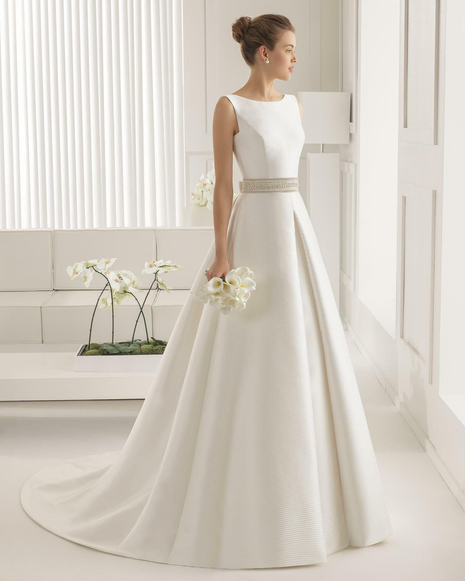 Schlicht einfach, aber dennoch ein elegantes Brautkleid !!!  Free