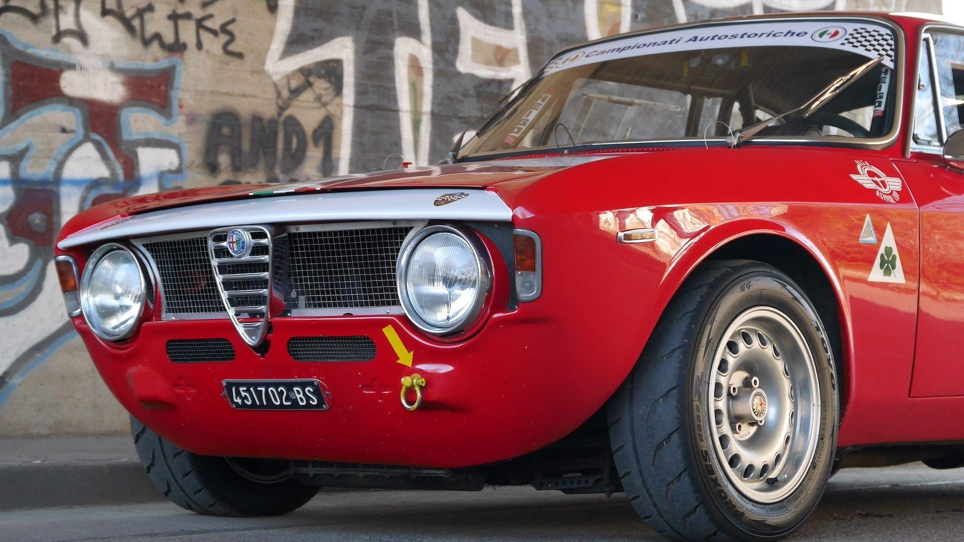 1965 Alfa Romeo Gt 1600 Sprint Gt A Scalino Mk I Fia Dmsb Wagenpass Classic Driver Market Alfa Romeo Classic Cars Super Cars