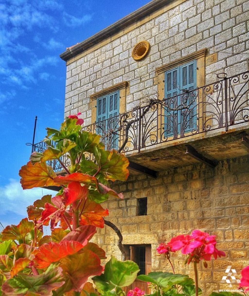 Good Morning from this beautiful traditional #Lebanese house  By @jamesalachkar…
