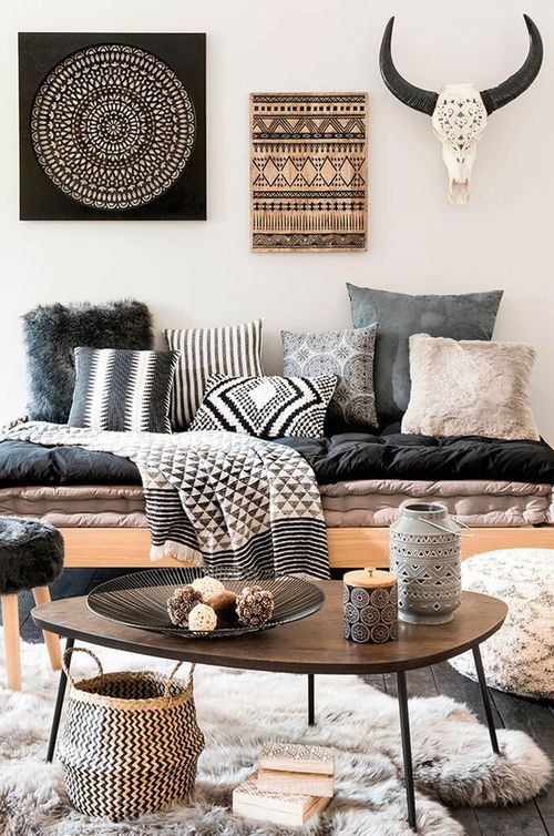 La Tendance Déco Rustique De Maisons Du Monde Pour LAutomne Hiver   There  Must Be A Better Way To Add Interest To The Walls Vs. Skulls And Horns.